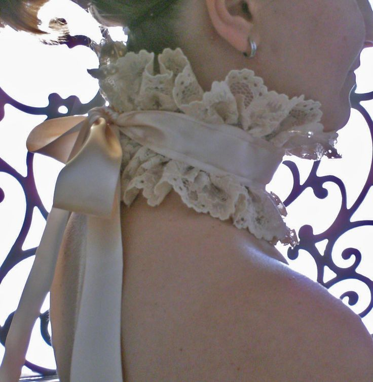 Gorgeous Victorian Inspired Neck Ruff in Creme by misfitchic