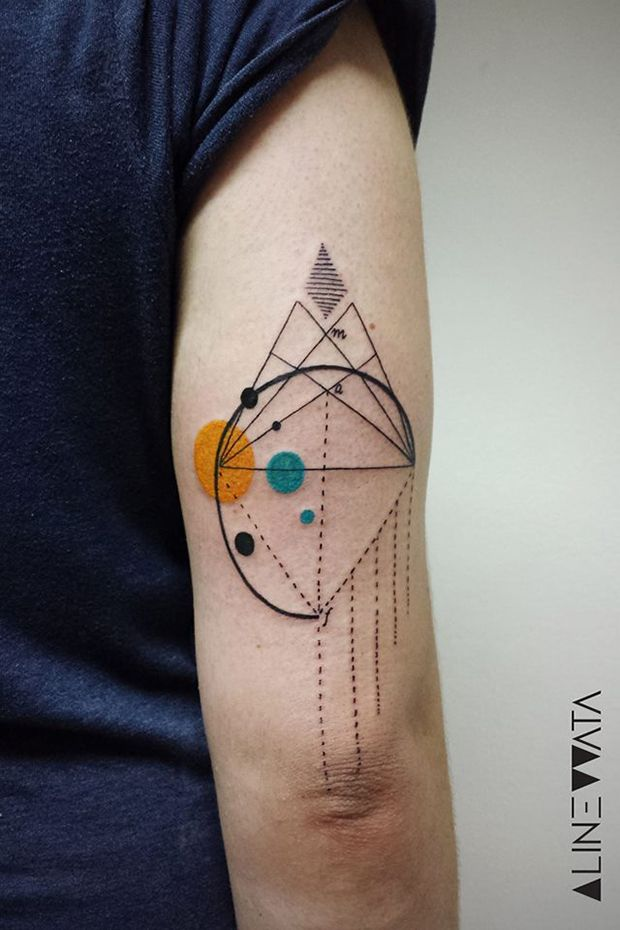 #tattoofriday - As tatuagens abstratas de Aline Watanabe; Brasil.