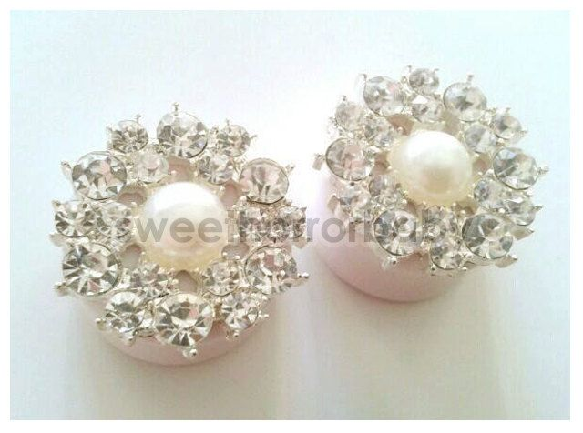 Order your custom plugs white wedding gauges by SWEETHORRORBABY, €18.00