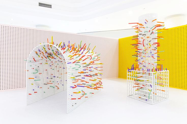 As part of the Hangzhou International Design Week, Italian designers Erika Zorzi and Matteo Sangalli, co-founders of the Mathery Studio, have been commissioned to design an interactive kids space at IN77 shopping mall.