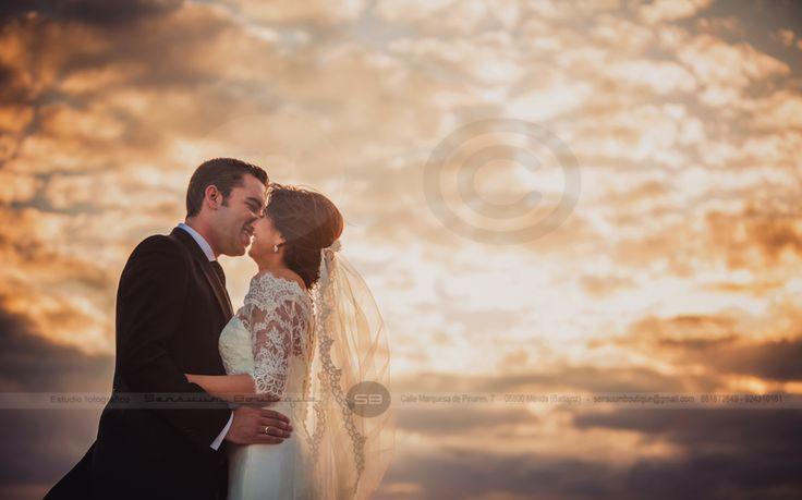 #BODA {Manuel y Carmen} #SensuumBoutique © #Smile #wedding #fotografosdeMerida #fotografodeboda #Merida #Meridafotografos #Badajoz #Extremadura #bodaExtremadura #Caceres #bodaoriginal #wedding #fotografosextremadura #fotografosbadajoz #fotografosCaceres #fotografiaartistica #Sensuum #Sensuumfotografos #fotografosAlmendralejo #fotografosMontijo #Guareña #fotografosGuareña #Guareña #Almendralejo #Montijo #BodaCaceres #BodaBadajoz #BodaAlmendralejo #BodaMontijo #bridalbouquet #bride #love #kiss