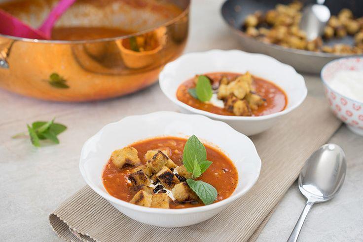 Tomatensuppe mit selbst gemachten Croutons