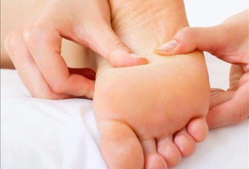 Pourquoi nos pieds reçoivent si peu d'attention alors qu'ils sont une partie fondamentale de notre corps?
