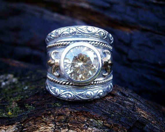 Spectacular mixed metal fleur de lis ring  by FiaFourieJewellery, Etsy