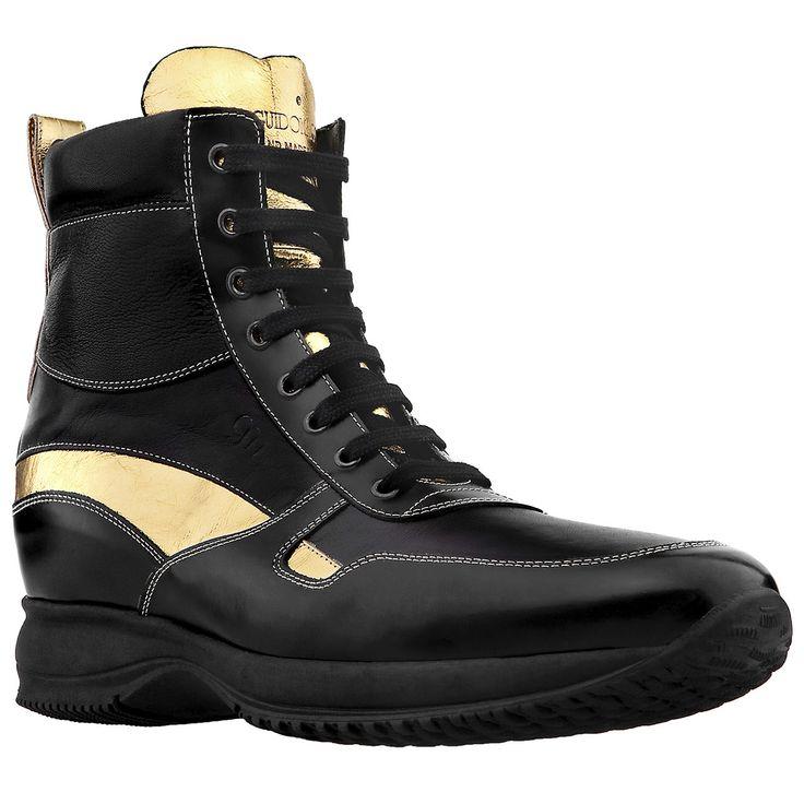 #Sneakers con rialzo interno nere e dorate per dare una marcia in più allo stile di chi vuole aumentare la #statura.  Guarda l'intera collezione di #scarpe con rialzo uomo su: http://www.guidomaggi.it/
