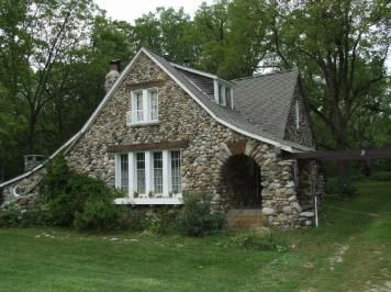 Stone House Bothwell, Ontario http://www.museevirtuel-virtualmuseum.ca/sgc-cms/histoires_de_chez_nous-community_memories/pm_v2.php?id=record_detail&fl=0&lg=English&ex=380&hs=0&rd=97925