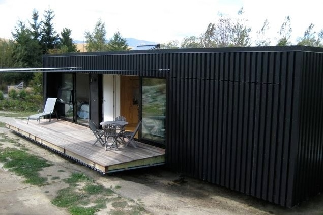 Another container house / Bachbox