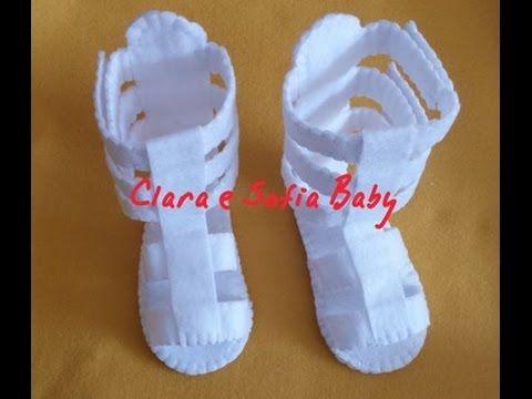 Sandalia Gladiadora feita a mão para bebês.