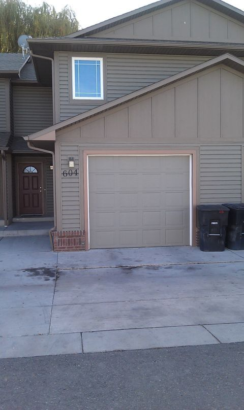 Very Nice Three Bedroom Townhome   Billings MT Rentals   Very nice three  bedroom two and. 1573 best Houses for rent in Billings MT images on Pinterest