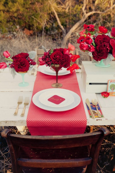 dallas styled shoot from amy zumwalt photographers red table settingsstriped