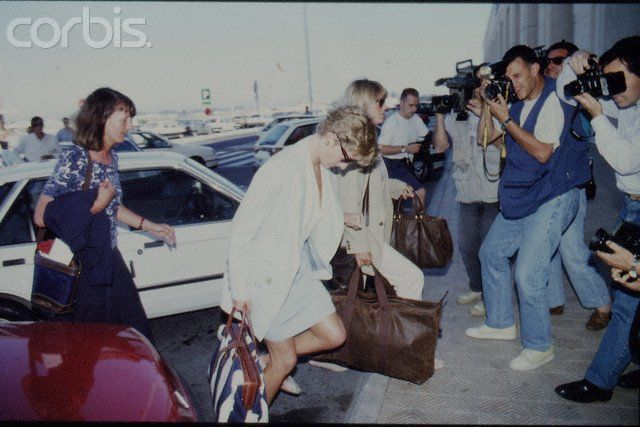 Image - Princess Diana au Malaga Airport, Espagne - 1994 _ Suite - Blog sur Lady Diana , William , Catherine , George... - Skyrock.com