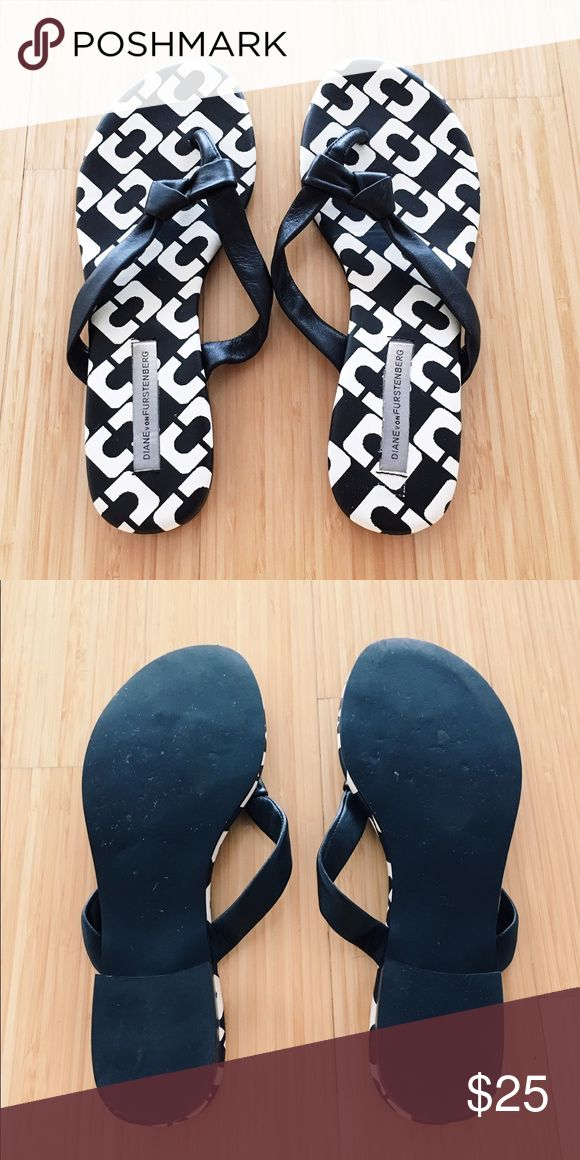 DVF Sandals 👣 Black and white flip flops with black leather straps, worn only a couple of times, great condition ! Diane von Furstenberg Shoes Sandals