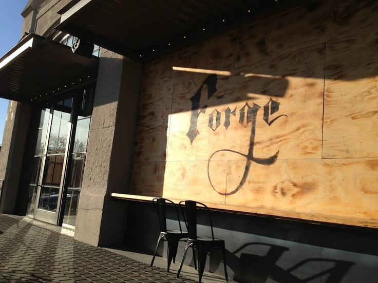 The Forge, Oakland -- Pizza right outside the Amtrak Station!