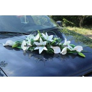 Composition florale pour la voiture de mari es gerbe de for Composition florale table