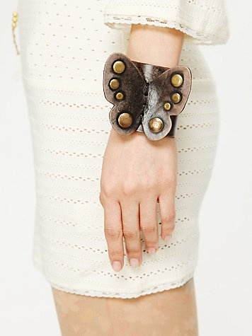 butterfly cuff. LOVE thisFashion Bluebutterfli, Butterflies Leather, Leather Butterflies, Black Butterflies, Boho Cuffs Bracelets, Leather Cuffs, Butterflies Cuffs, Black Antiques, Leather Bracelets