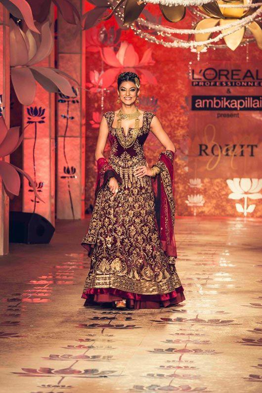 #SushmitaSen wearing Rohit Bal for Ambika Pillai's Salon inauguration