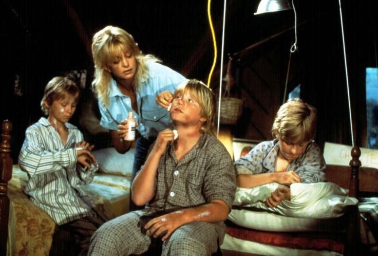 """Overboard"" movie still, 1987.  L to R: Jared Rushton, Goldie Hawn, Brian Price, Jamie Wild."