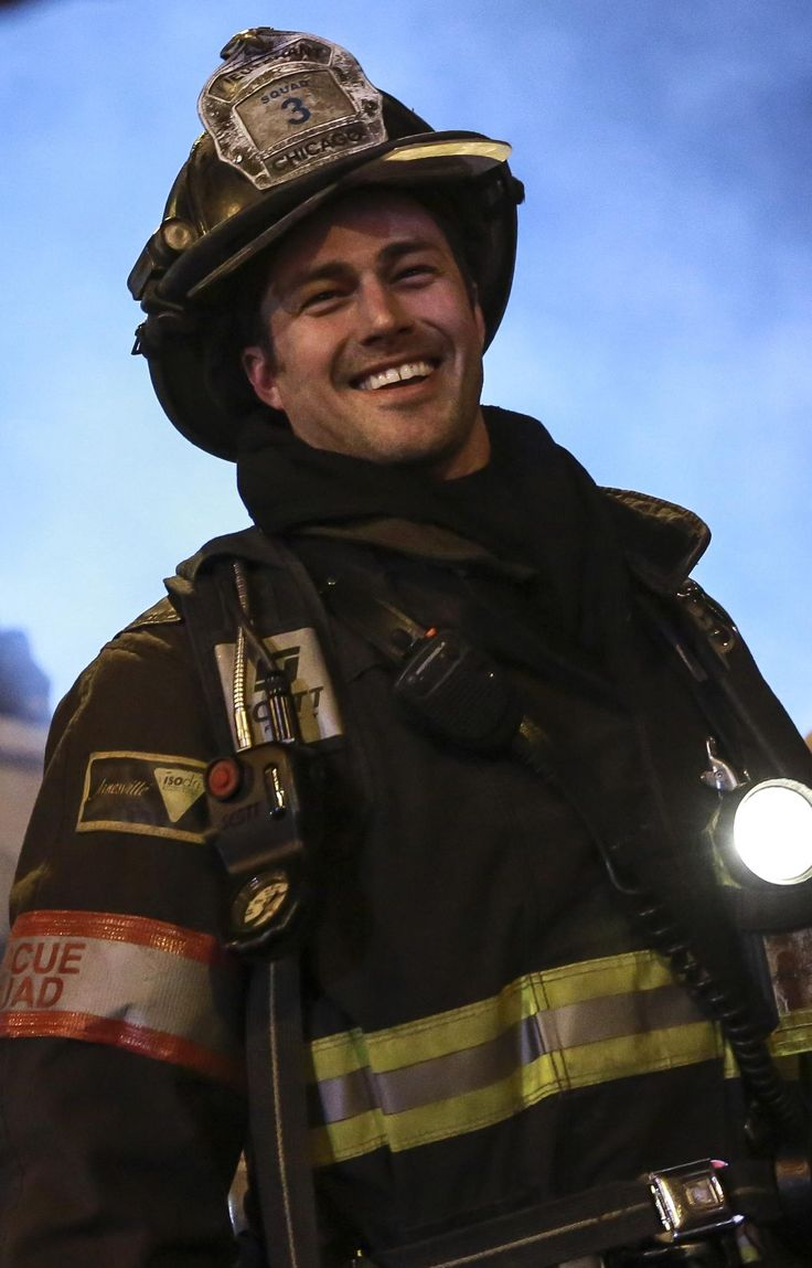 """Chicago Fire: A smiling Taylor Kinney as """"Lt. Kelly Severide"""" 