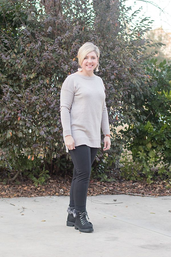 Savvy Southern Chic: A super casual weekend outfit and Five things for Friday