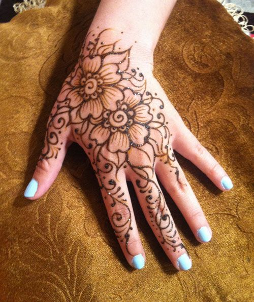 Henna at the Las Cruces, Comic Con, 2014.