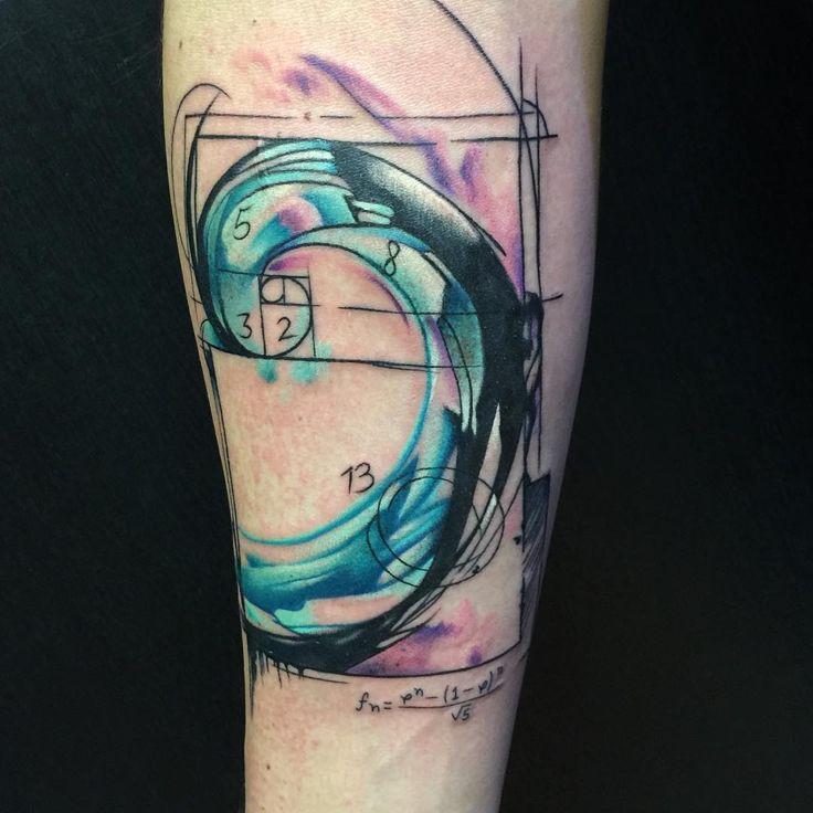 M s de 25 ideas incre bles sobre tatuaje fibonacci en for Studio 42 tattoo