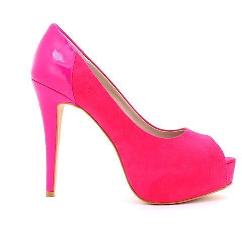 HYSTERIA heel in hot pink. #mybetsonBetts #BettsRaceDayReady #BettsShoes #shoes #heels