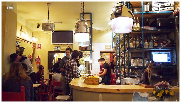 Una trastienda, bar muy #vintage http://tucajonvintage.blogspot.com.es/ #food #deco