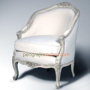 Kursi dengan desain elegant yang terbuat dengan kayu jati perhutani. Desain simpel kursi sofa untuk ruang tamu#Kursi #FurnitureJepara #Furniture