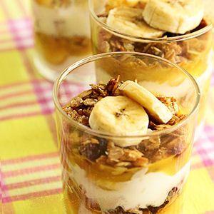 Dessert muesli, yaourt coco et banane : 40 recettes de petits déjeuners - Journal des Femmes Cuisiner