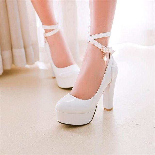 2016 cerrojo de cuero japanned del talón grueso de ultra tacones altos solos zapatos blanco zapatos rojos de la boda más el tamaño 40-43 zapatos de novia
