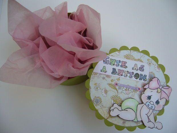 Free tutorial: Round gift box from scratch.