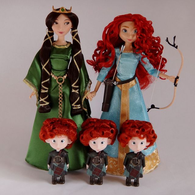 Brave movie merida dolls  | 2012-2013 Brave Movie Cast Dolls - Disney Store - Queen Elinor, Merida ...