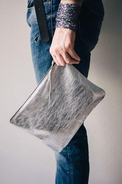 Silber Leder Clutch von Patkas Berlin auf DaWanda.com