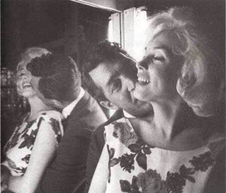 "Dean Martin & Marilyn Monroe on the set of ""Something's Got To Give"" 1957"