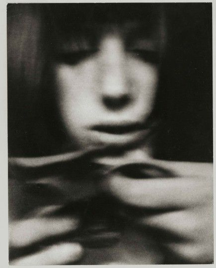 archive.scotiabankcontactphoto.com files images 470_The_Women_of_Sanne_Sannes_6_med.jpg