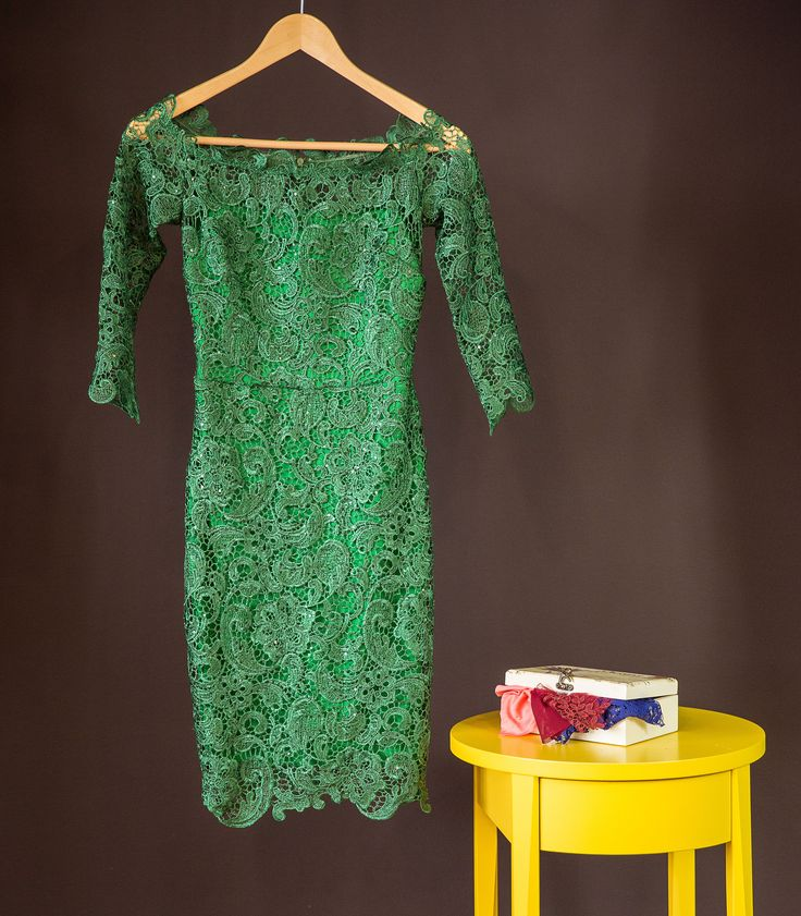 A dreamy elegant lace dress in green hues, to make your memories unforgettable!