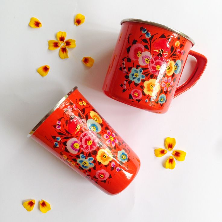 Perfect for Summer entertaining. Our enamel tumblers, mugs, jugs and platters come in Grey, Hot pink and Orange. All adorned with colourful botanical prints.  www.rosaliving.co.nz