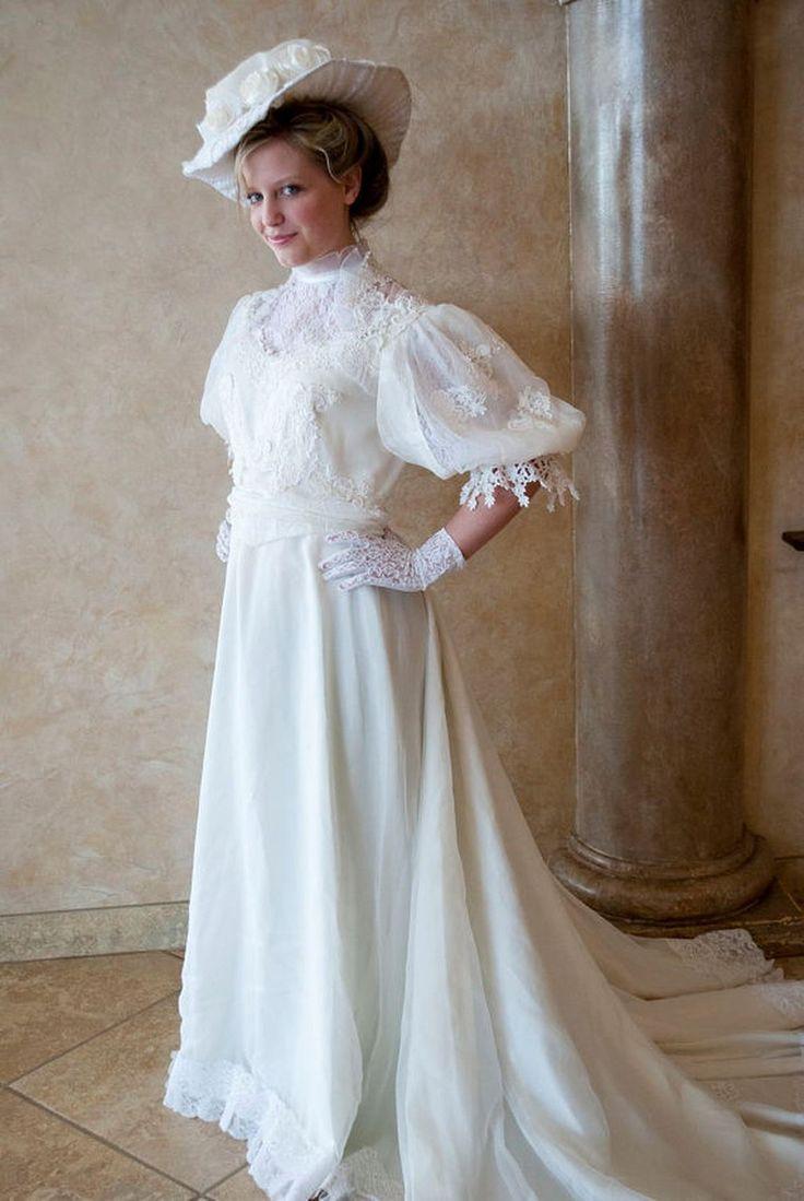 Cool 30+ Victorian Vintage Wedding Dress https://weddmagz.com/30-victorian-vintage-wedding-dress/
