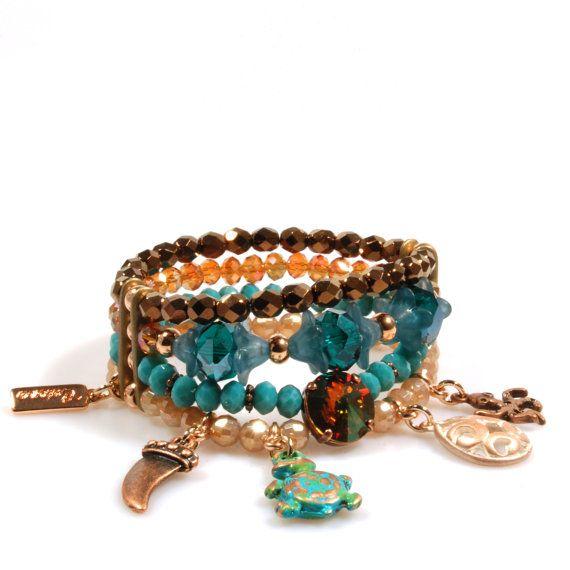 Kralen armband gypsy style in emerald groen, bruin en champagne - bedelarmband rose goud met Swarovski, schildpad, haaientand, OOAK sieraden