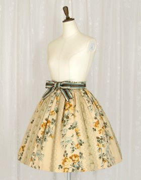 """Skirt, Juliette et Justine: """"Levers de Rêve"""" style. Love the calm yet bright colours and the beautiful panelled print."""
