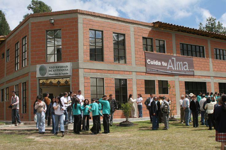 12-Inauguración Sede Sonsón. 2006