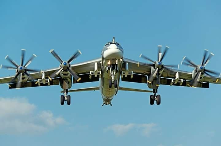 Tu-95MS Strategic Bomber on final approach for Kubinka airbase with Cruise Missile hard points attached