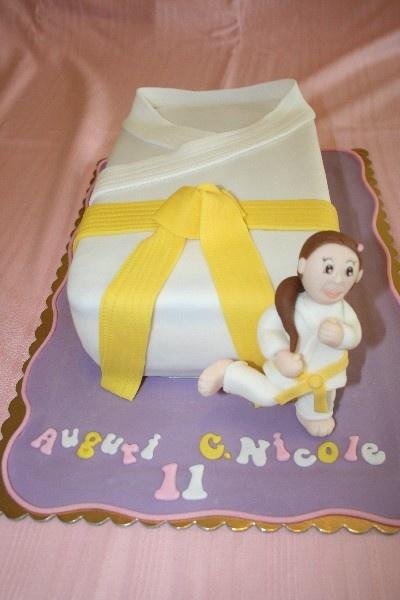 21 best images about torte sport sport cake on pinterest for Decorazione torte karate