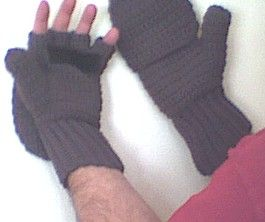 Sue's Free Patterns: CROCHETED MITTENS / FINGERLESS GLOVES