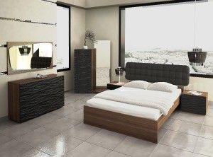 Σετ κρεβατοκάμαρας ROME με στρώμα και συρτάρια με ανάγλυφη λάκα σε κομοδίνα & τουαλέτα. Διαστάσεις: Κρεβάτι 170×213 cm, Κομοδίνο 60×48 cm, Τουαλέτα 120×45 cm. (διαθέσιμο και με ψηλή συρταριέρα Υ:135cm) Καθρέφτης 120Χ65 cm, με κρυφό φωτισμό led. Το κεφαλάρι διατίθεται ντυμένο με ύφασμα της επιλογής σας από τα χρωματολόγιά μας. Τα κομοδίνα και οι συρταριέρες διατίθετναι σε πολλά χρώματα λάκας. Tα κομμάτια πωλούνται και ξεχωριστά.