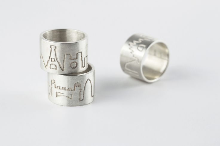 Man GLOBER Rings with World Fashion Capitals Skyline   Silver 925 with antitarnish treatment   Price: 200€  available here http://www.preziosajewelry.com/it/