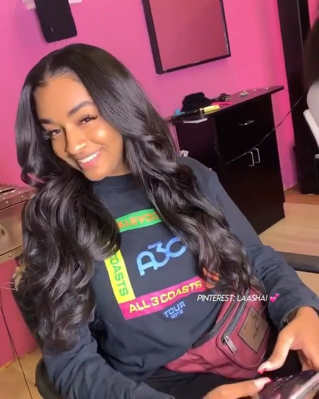 Pinterest Laashai Middle Part Weave Sew In In 2020 Middle Part Weave Sew In Weave Sew In Hairstyles