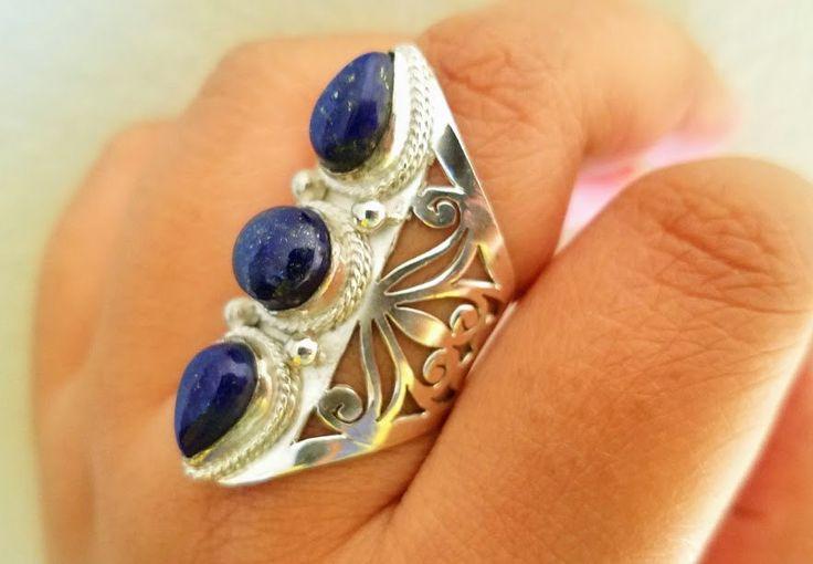 Bague Lapis Lazuli - bleu Lapis bague - bague Bohème - Lapis bijoux - bague - bijoux Tibétains du Népal en argent par HimalayanTreasure sur Etsy https://www.etsy.com/fr/listing/258459583/bague-lapis-lazuli-bleu-lapis-bague