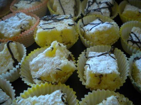 bocconcini di torta al limone al microonde pronti in 15 min.