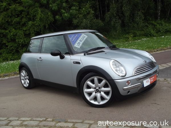 #usedcarsforsalesheffield #usedminiforsalesheffield **PART/X WELCOME. CALL DON VALLEY MOTORS ON TEL. 01142 291 391 TO DISCUSS FINANCE OPTIONS ON THIS VEHICLE** Mini Cooper 1.6 in Metallic Silver with Charcoal Grey Leather Interior and Trim, Brush Aluminium Dash Trim – Excellent Condition Throughout. For Sale £2995